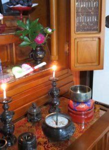 685年3月27日は、「仏壇の日」