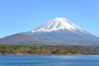 """<span class=""""title"""">2013年6月22日、富士山の世界遺産登録が認められた。</span>"""