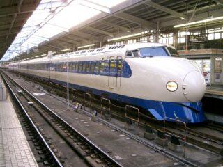 """<span class=""""title"""">1959年7月31日は、特急「こだま」による狭軌道鉄道での時速163キロメートルを達成した日の記念日。</span>"""