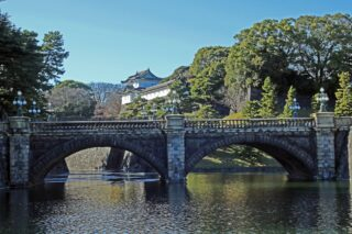 "<span class=""title"">1868年の10月13日、明治天皇が京都御所から江戸城へ御入城された日</span>"